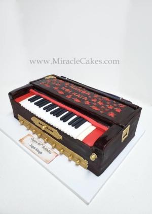 3D Harmonium cake