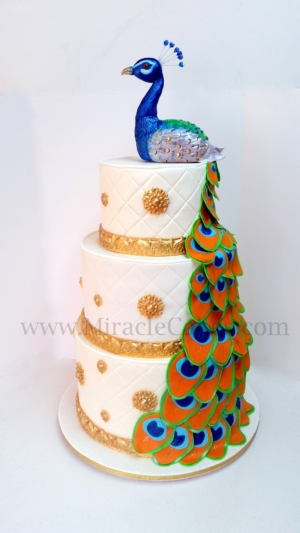 Peacock wedding cake1