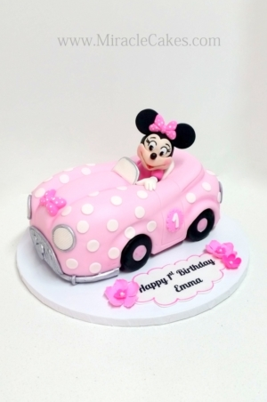 Minnie mouse riding the car