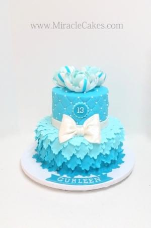 Pretty petal cake